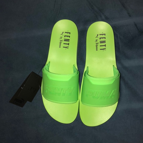 newest b0444 133ba Puma Fenty Surf Slides Mens NWT